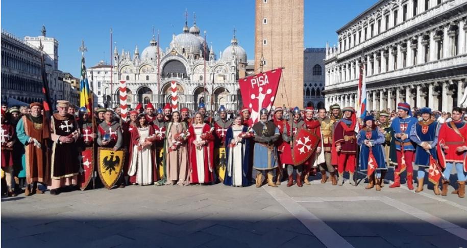 corteo Pisa